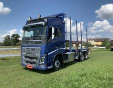 Volvo timber truck FH16